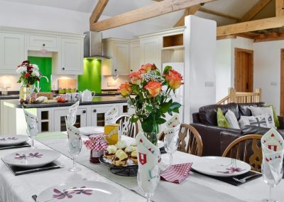 The dining area at What a Beauty, Higher Churchtown Farm, Tresmeer