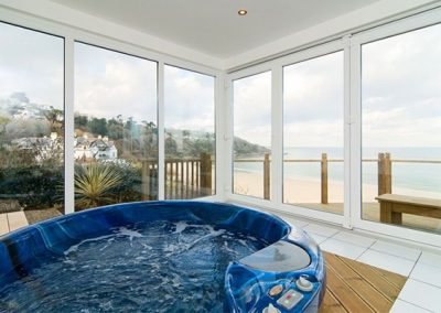 The hot tub @ Windwards, St Ives