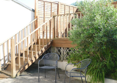The decked patio at Wynnstead, Combe Martin